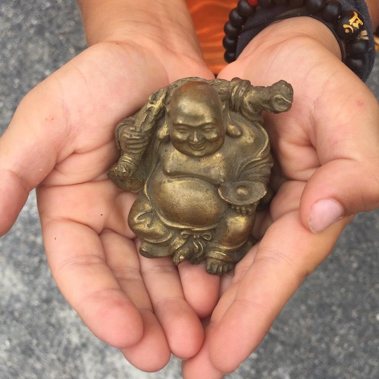 """Il """"piccolo"""" buddha fa ritorno a casa"""