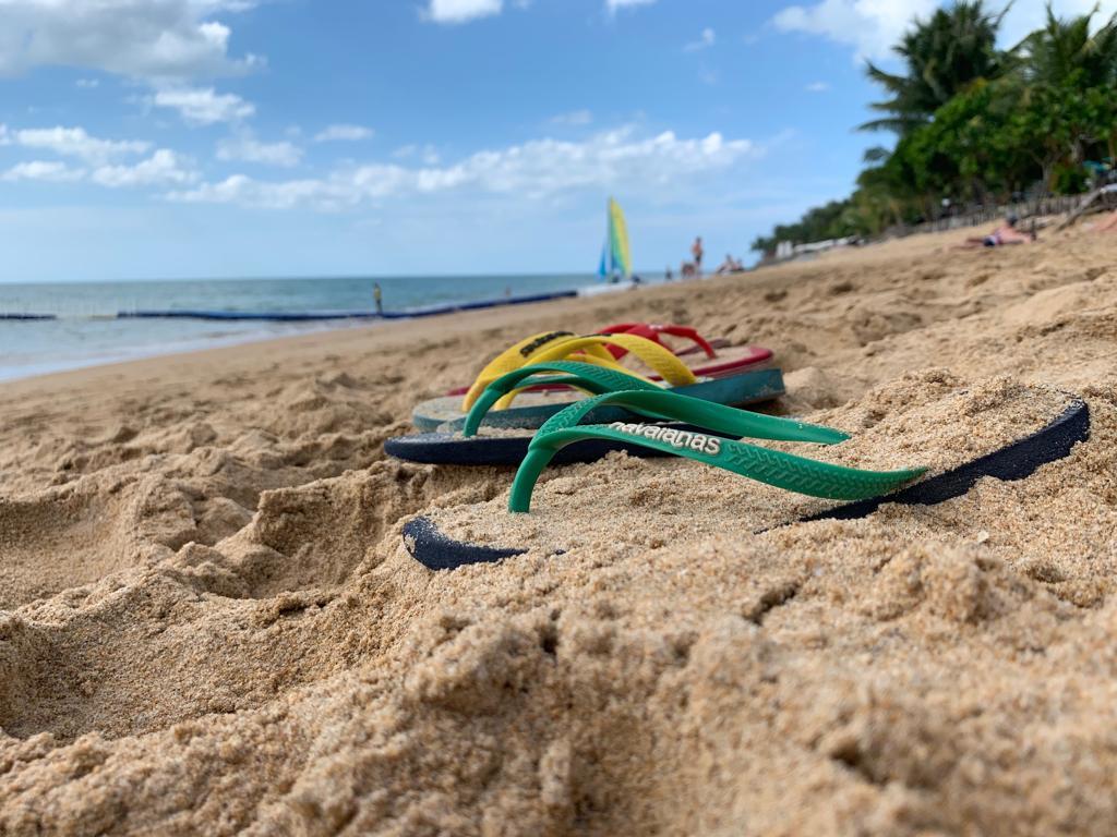 Khao Lak: infradito su spiaggia