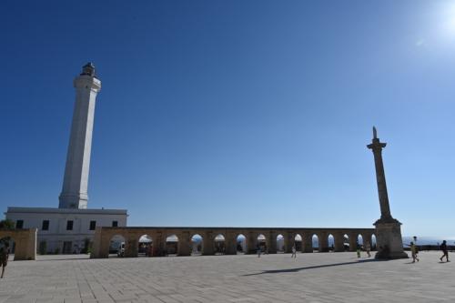 Obelisco e faro